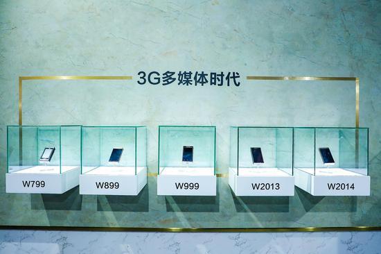 手机市场风云变化 唯有它十二载屹立不倒