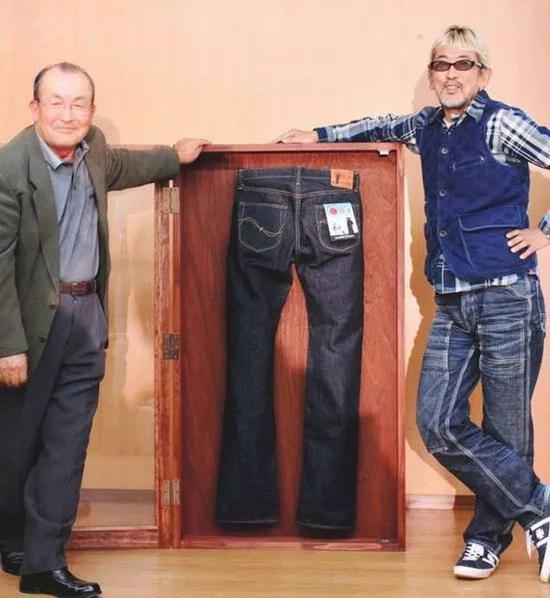 Samurai Jeans 主理人野上彻频繁上身