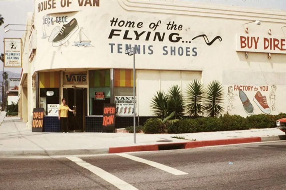 """""""滑板鞋""""之父离世,你会更珍惜那些年你的帆布鞋吗"""